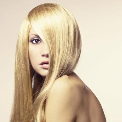 Haare & Haarpflege von Haarverlängerungen. Ist eine spezielle Pflege erforderlich? Was muss ich beim Waschen beachten? Darf ich meine Haarverlängerung Glätten?
